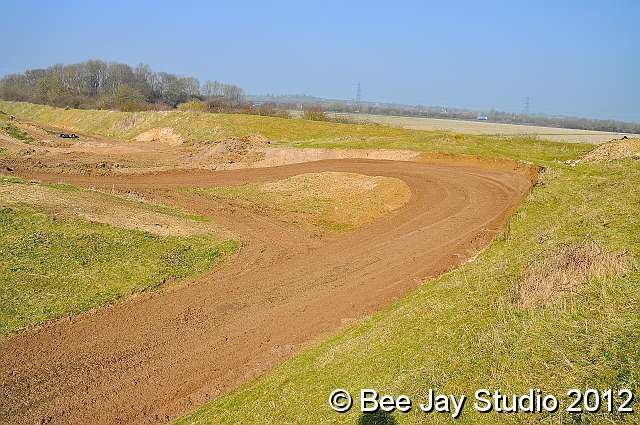 Dunstable Motocross Motopark, click to close